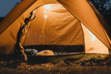 Camp in garden